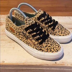 NEW Blowfish Maggi Leopard print sneakers.